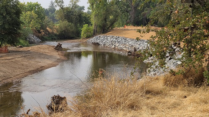 Image caption: Using funds from the California Urban Rivers Grant Program, Roseville got to work on habitat restoration along Dry Creek.